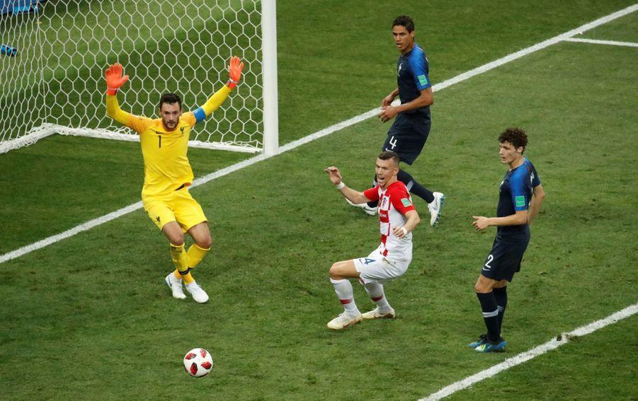 France Croatie : La Finale De La Coupe Du Monde De Football En Direct Et En Photos ( 64