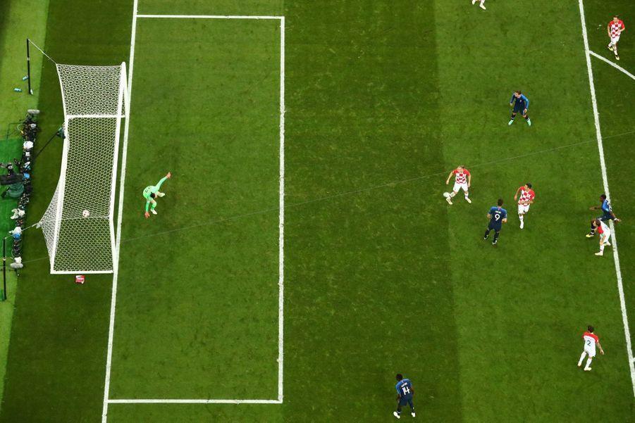 France Croatie : La Finale De La Coupe Du Monde De Football En Direct Et En Photos ( 81