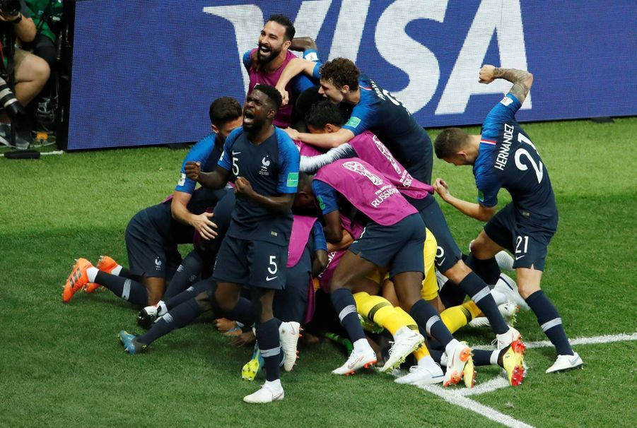 France Croatie : La Finale De La Coupe Du Monde De Football En Direct Et En Photos ( 82