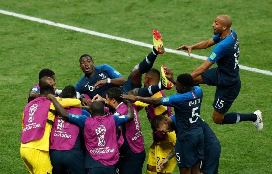 France Croatie : La Finale De La Coupe Du Monde De Football En Direct Et En Photos ( 83