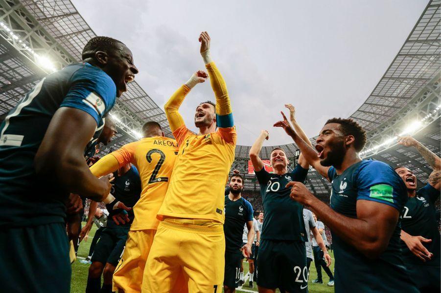 Au coup de sifflet final, les Français n'ont pas caché leurs émotions.