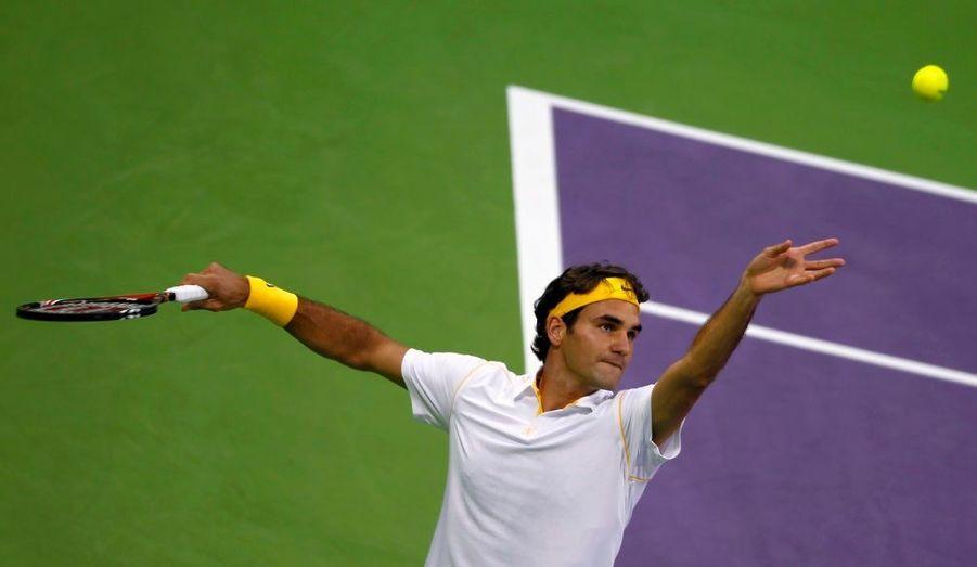 Roger Federer a disposé sans trop de mal de Nikolay Davydenko, en finale du tournoi de Doha (6-3, 6-4), en 1h19' de jeu. Le Suisse remporte donc son premier tournoi de la saison, le 67e de sa carrière, au lendemain de sa victoire un peu plus étriquée en demi-finale face à Jo-Wilfried Tsonga (6-3, 7-6). Federer n'a pas concédé un seul set de la semaine et semble donc fin prêt pour l'Open d'Australie, à un peu plus d'une semaine du début du premier Grand Chelem de l'année.