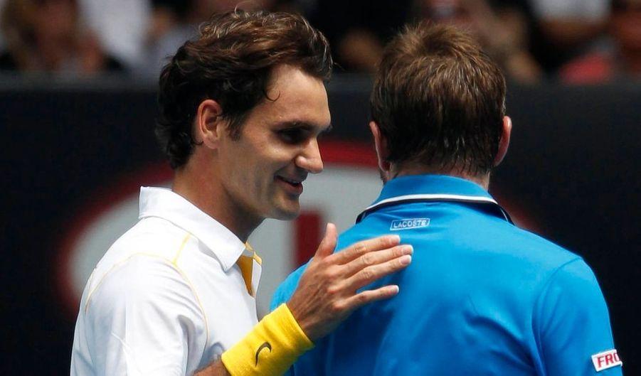 Le duel entre Roger Federer et Stanislas Wawrinka était particulièrement attendu ce mardi à l'Open d'Australie. Mais Roger Federer a immédiatement éteint les ardeurs de son compatriote qu'il a étouffé en trois petits sets 6-1, 6-3, 6-3. Une qualification sans souci pour un Federer qui sera opposé en demi-finales au vainqueur de Berdych-Djokovic.