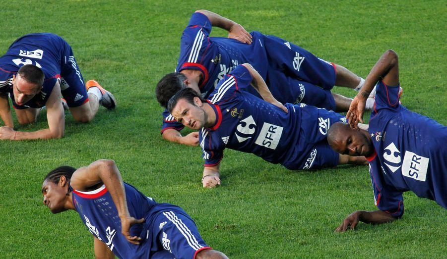 L'équipe de France se prépare à affronter la Chine lors d'un match de préparation à la Coupe du monde, qui se déroulera vendredi sur l'île de la Réunion.