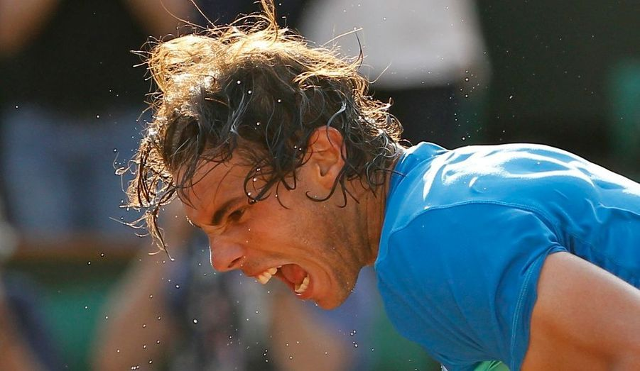 L'Espagnol Rafael Nadal retrouve la finale de Roland-Garros après avoir battu vendredi en trois sets l'Autrichien Jürgen Melzer (6-2, 6-3, 7-6 [8-6]) en demi-finales. Le Majorquin, quadruple vainqueur du tournoi parisien, s'offre une revanche face à Söderling, son bourreau l'an dernier en huitièmes. Les retrouvailles entre les deux hommes auront lieu dimanche.