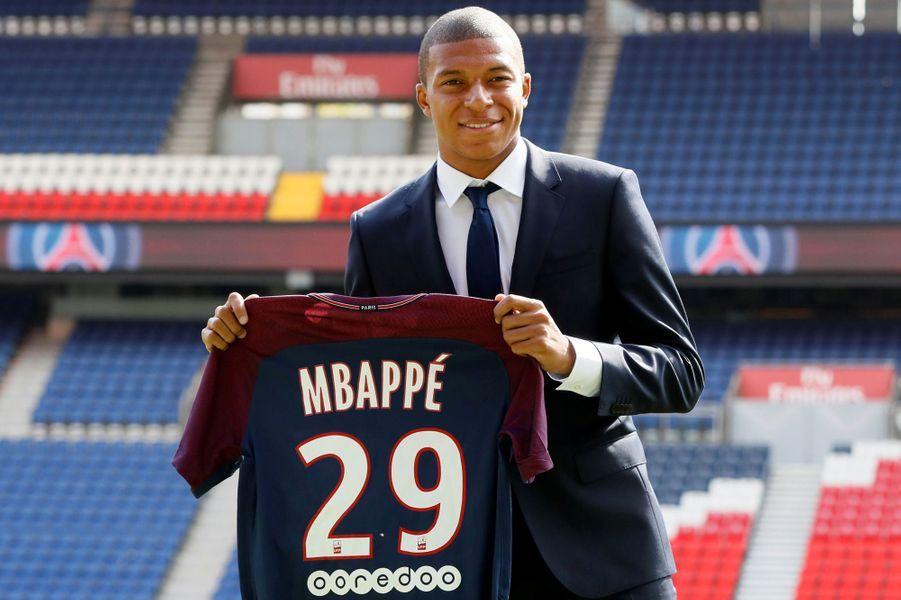 Kylian Mbappé a été officiellement présenté à Paris ce mercredi.