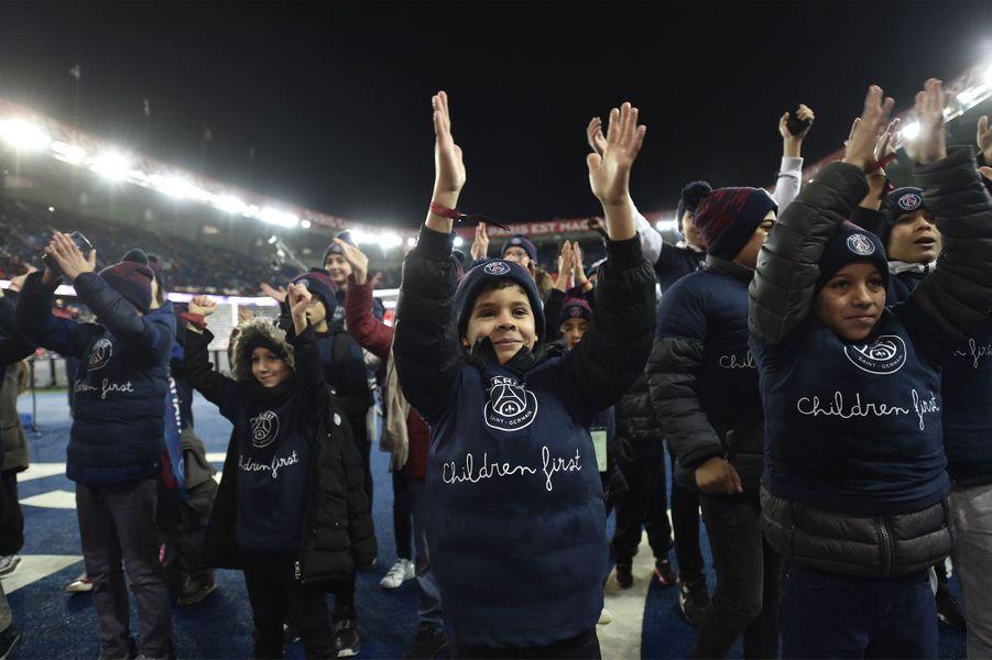 Des centaines d'enfants invités pour le match de la Fondation Paris Saint-Germain – Les Enfants d'abord.