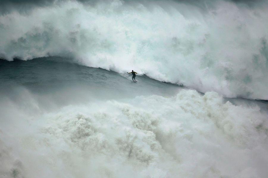 Selon la légende, Garrett McNamara aurait surfé une vague de trente mètres en janvier dernier.
