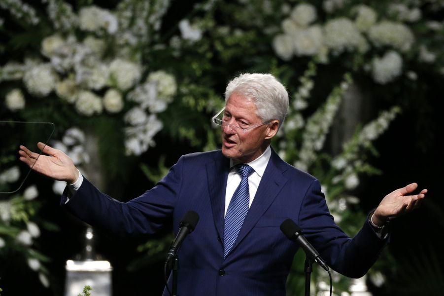 Bill Clinton assiste à l'hommage rendu à Mohamed Ali à Louisville, le 10 juin 2016.