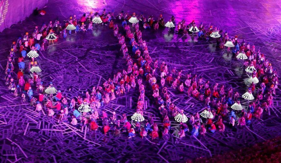 Que serait l'Angleterre sans la musique ? Danny Boyle a rendu hommage à l'âme britannique avec une longue parenthèse musicale.