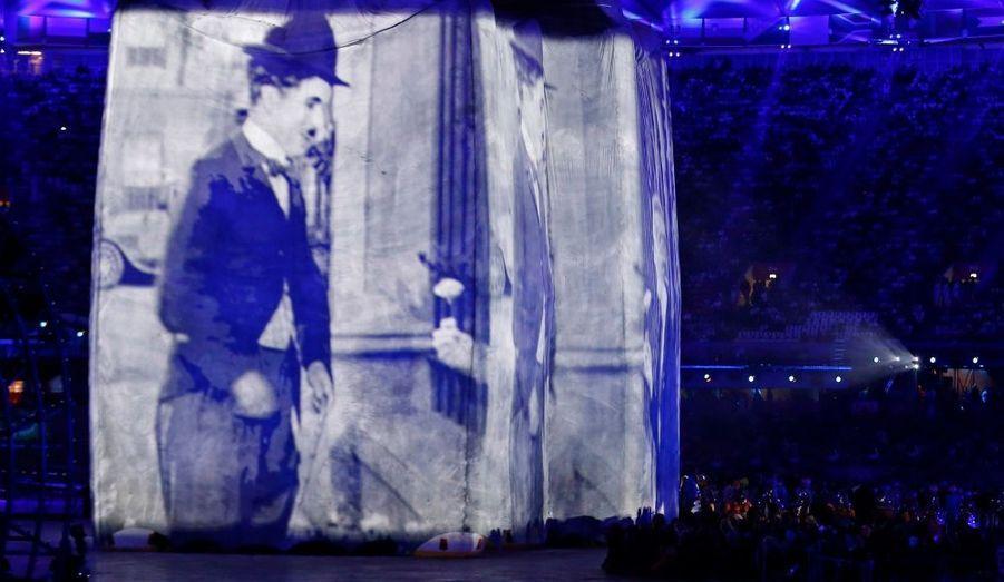 Né à Londres, Charlie Chaplin a été convoqué au cours de ce spectacle de haute volée.