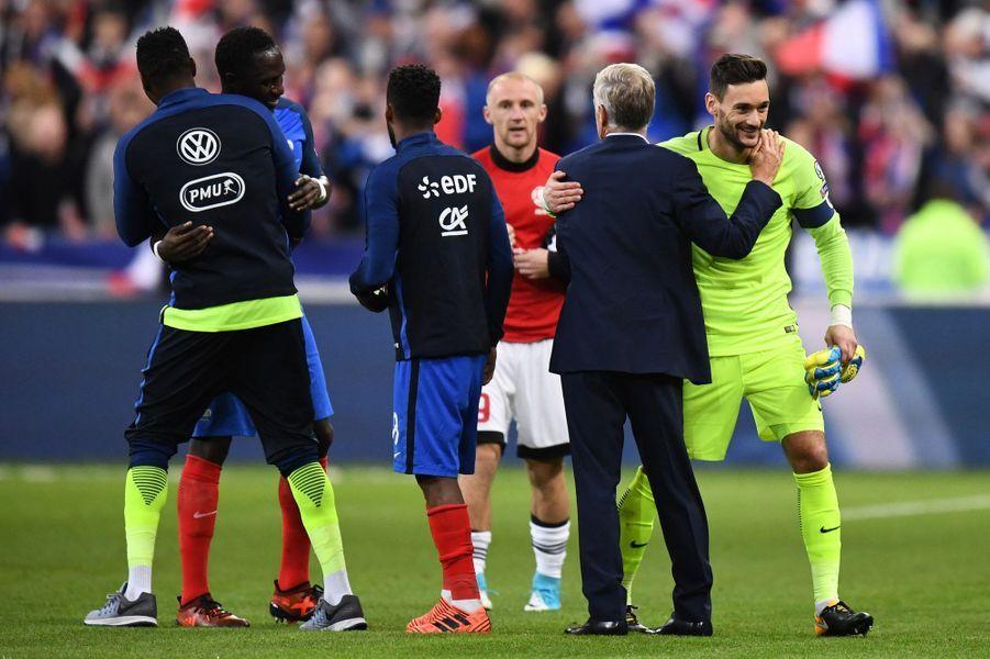 Didier Deschamps remercie ses joueurs.