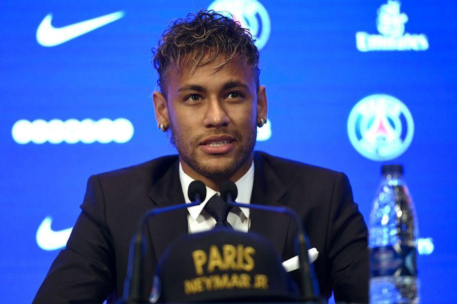 Neymar en conférence de presse vendredi.