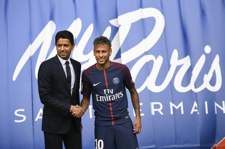 Neymar et le président du PSG, Nasser Al-khelaïfi.