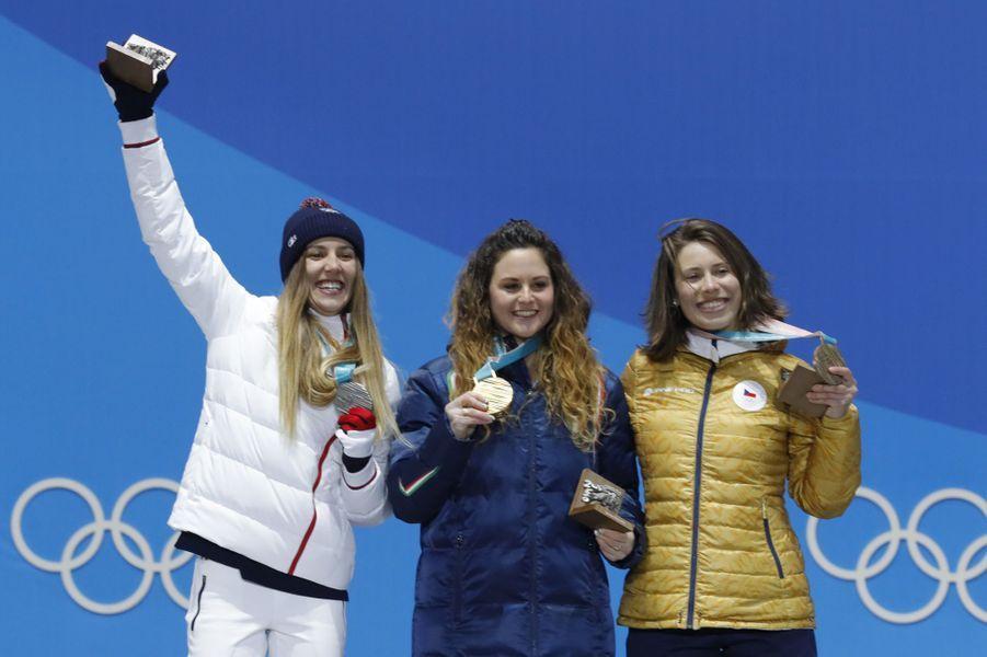 Julia Pereira de Sousa a réalisé l'exploit vendredi en remportant la médaille d'argent du snowboardcross féminin.