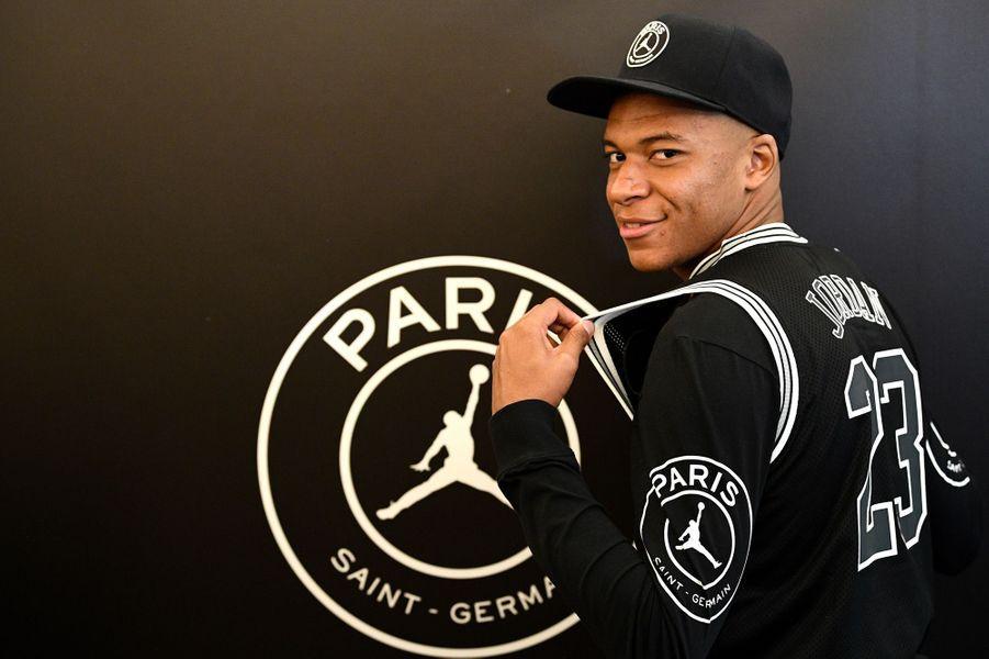 fashion styles various colors new photos Le PSG signe un partenariat