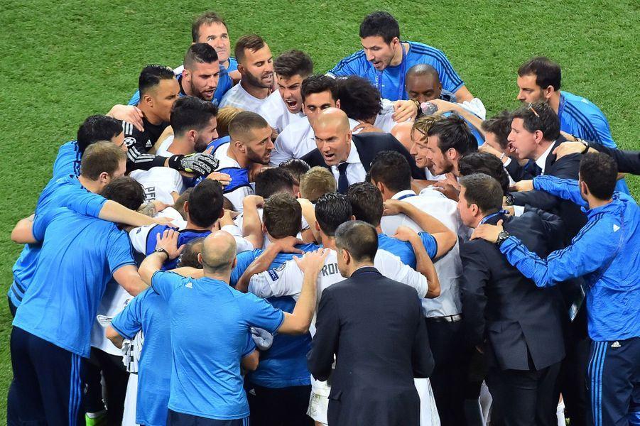 Zinédine Zidane remotive ses joueurs avant les tirs au but