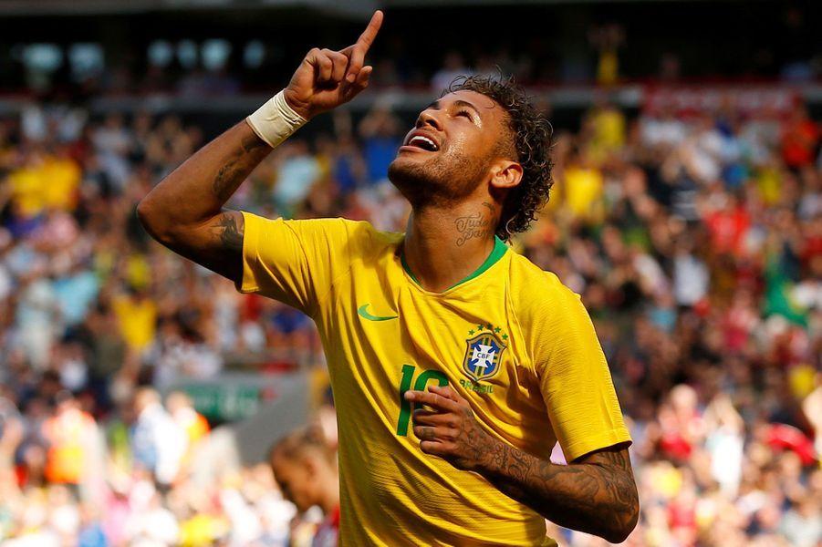5- Neymar (football) : 90 millions de dollars