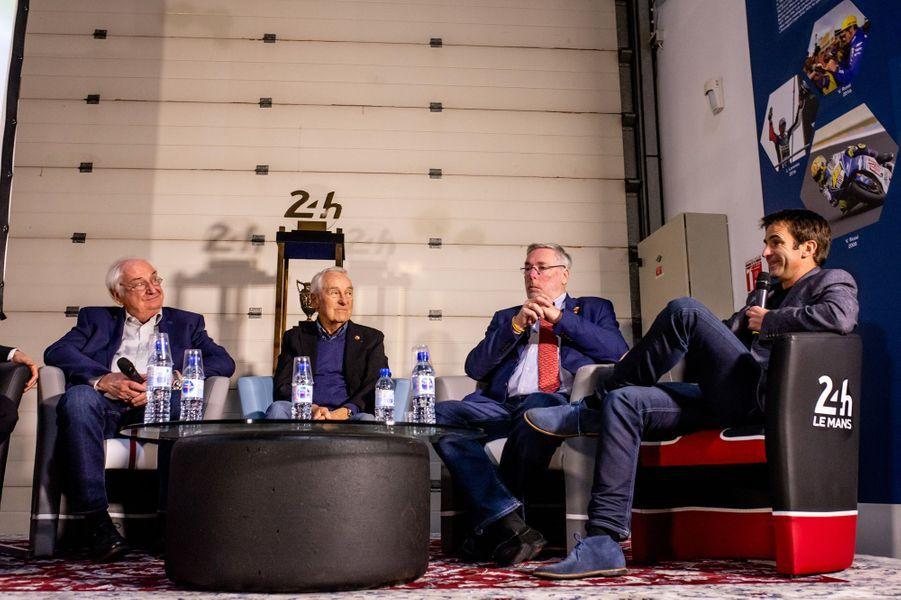 Romain Dumas, Gérard Larrousse, Jurgen Barth, tous les trois anciens vainqueurs et Norber Singer, ingénieur mythique de la marque.