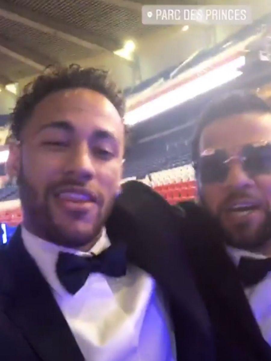 Neymar Jr. et Dani Alves.
