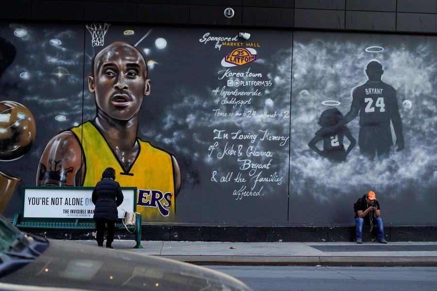 Les fans aussi ont rendu hommage à Kobe Bryant sur les murs des villes du monde entier
