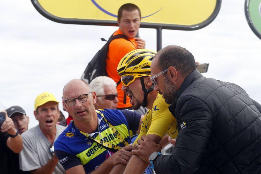 Julian Alaphilippe à l'arrivée de la sixièmeétape entre Mulhouse et La Planche des Belles Filles, le 11 juillet. Il perd son maillot jaune pour 6 secondes.