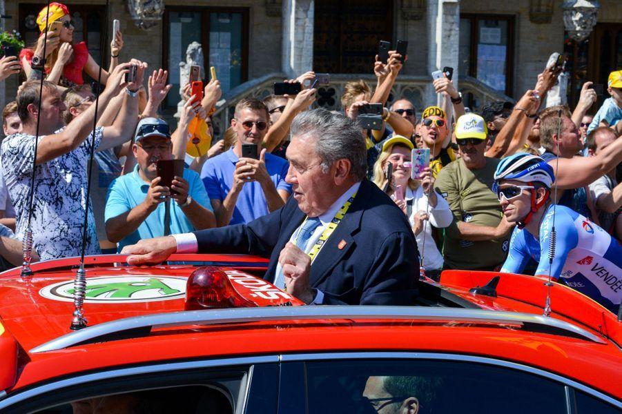 Eddy Merckx au départ du Tour à Bruxelles, le 6 juillet.