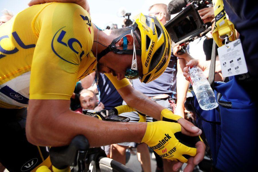 Julian Alaphilippe a conservé son maillot jaune dans les Pyrénées au prix d'un magnifique effort