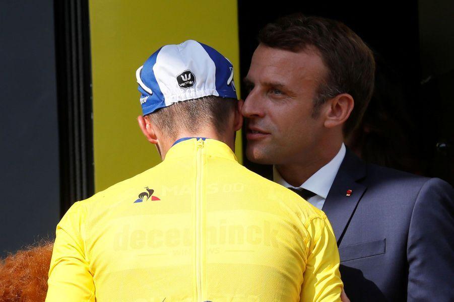 Julian Alaphilippe et Emmanuel Macron le 20 juillet.
