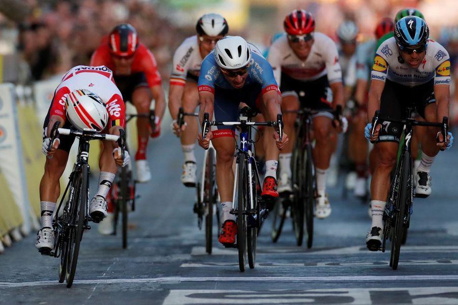 Un rêve quand on est sprinteur : Caleb Ewan s'impose sur les Champs-Elysées, dimanche 28 juillet.