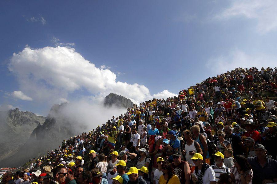 Les spectateurs massés au Tourmalet le 20 juillet.
