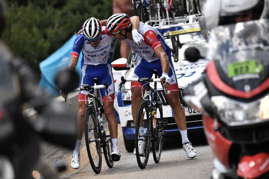 Thibaut Pinot, en larmes, abandonne le Tour vendredi 26 juillet lors de l'étape 19.