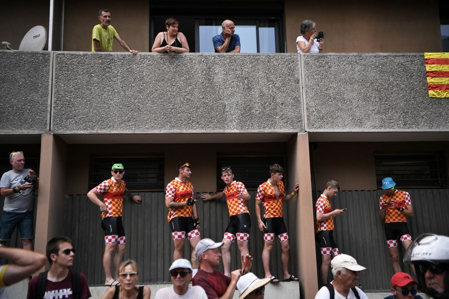 Des cyclistes sur l'étape 19 entre Saint-Jean-de-Maurienne et Tignes, vendredi 26 juillet.