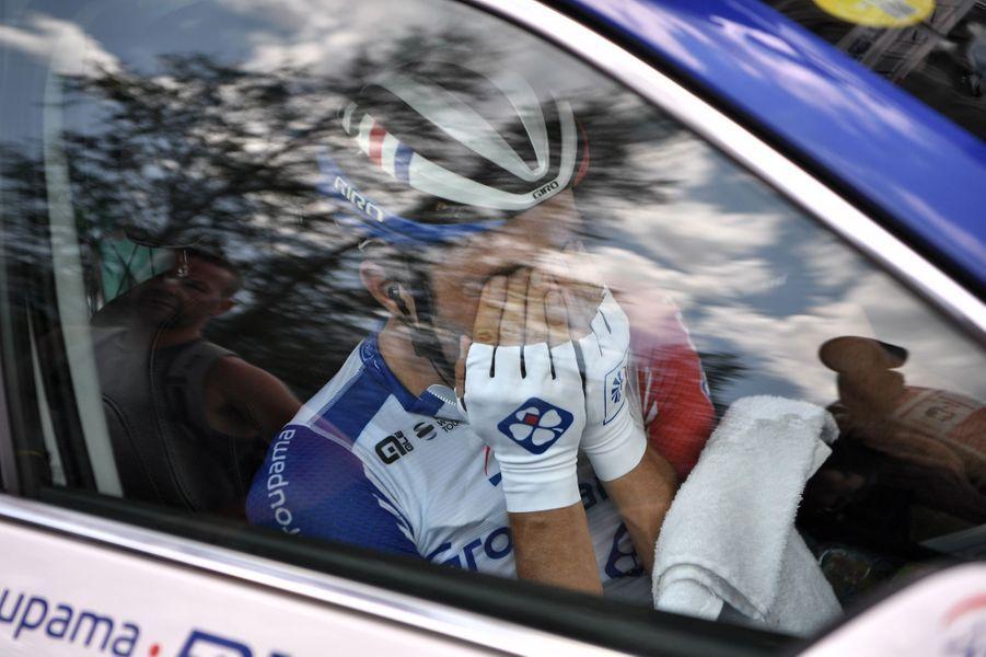 Vendredi 26 juillet, Tibault Pinot, blessé, quitte le Tour en larmes.