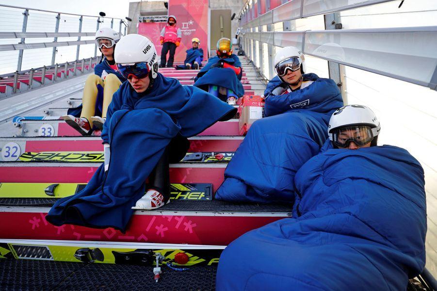 Les athlètes luttent contre des conditions climatiques dantesques.