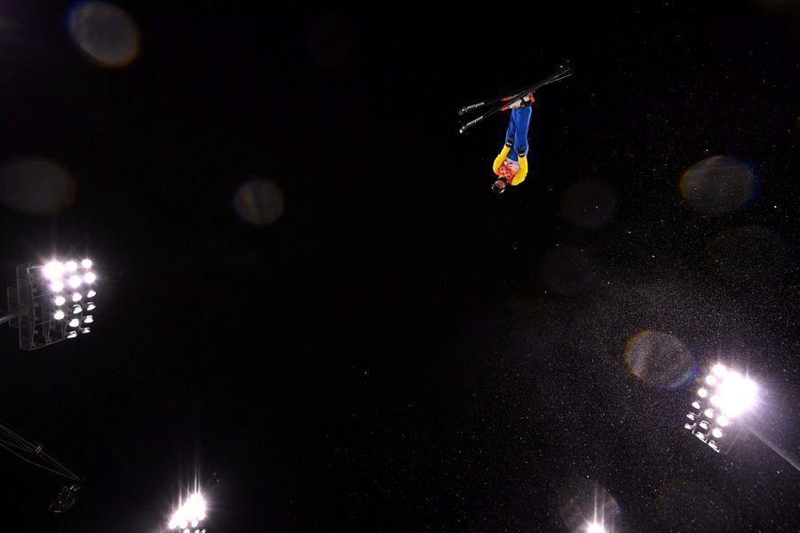 Marzhan Akzhigit au ski acrobatique