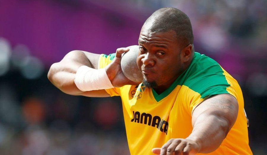 Les Jamaïcains ne sont pas que des sprinters. Dorian Scott a participité ce matin aux qualifications du lancer du poids.