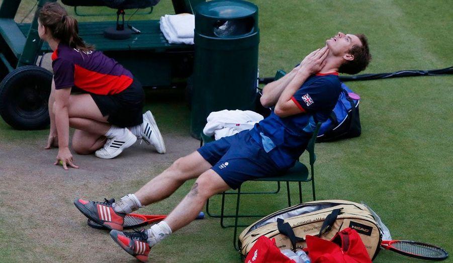L'Ecossais Andy Murray reste incrédule. Il s'est qualifié pour la finale du tournoi de tennis masculin en dominant Novak Djokovic en deux sets (7-5, 7-5). Il affrontera Roger Federer pour l'or.