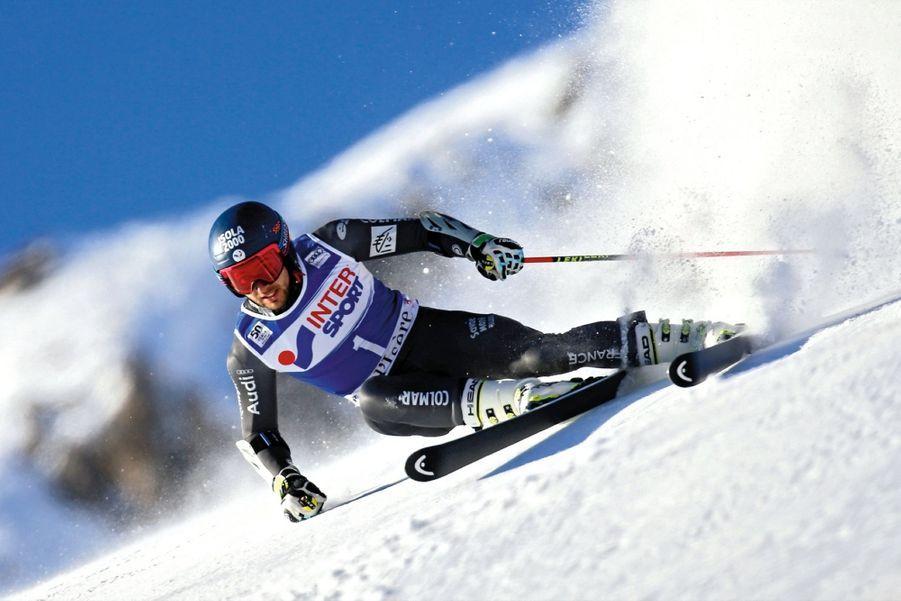 Mathieu Faivre (24 ans) S'il a grandi à Isola 2000, c'est un bouillant Méridional, né à Nice. «Je m'énerve vite. Mais c'est contre moi que je me mets en colère. Mon tempérament est autant un moteur qu'un frein. Je travaille dessus avec un coach mental.» Avec succès. La preuve, champion du monde junior en 2010, il vient de remporter le géant de Val-d'Isère, le 4 décembre, contre le meilleur skieur du monde, l'Autrichien Marcel Hirscher.