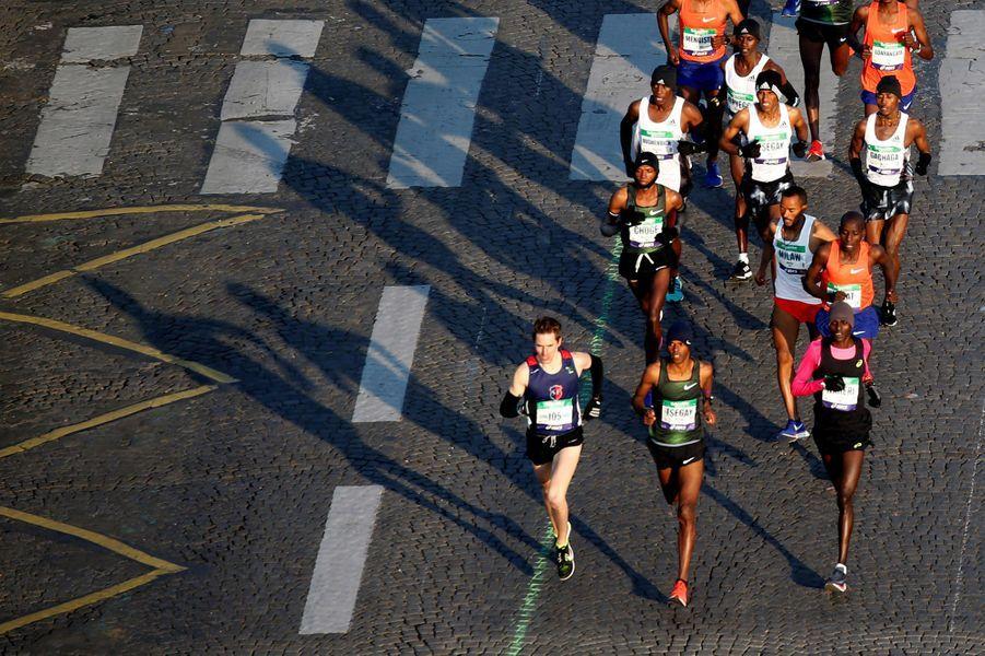 Si le marathon de Paris a été remporté chez les femmes par l'Ethiopienne Gelete Burka en 2h22:48, la FrançaiseClémenceCalvin a réalisé la performance de la journée en battant le record de France de la distance malgré une préparation contrariée.