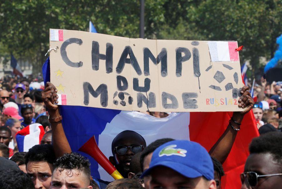 Mondial : La Fièvre Monte, Le Champ de Mars Pris D'assaut ( 11