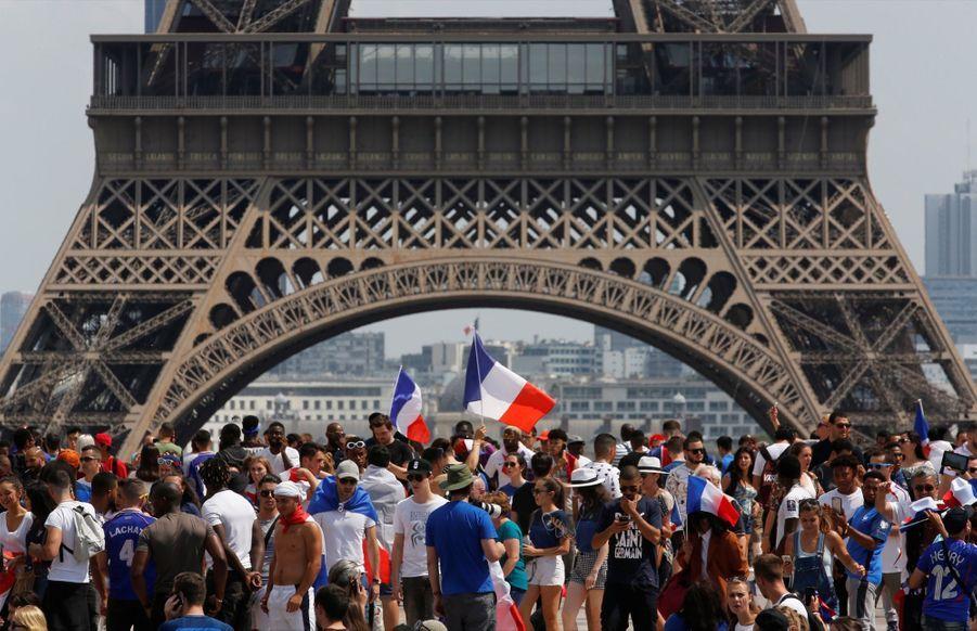 Mondial : La Fièvre Monte, Le Champ de Mars Pris D'assaut ( 13