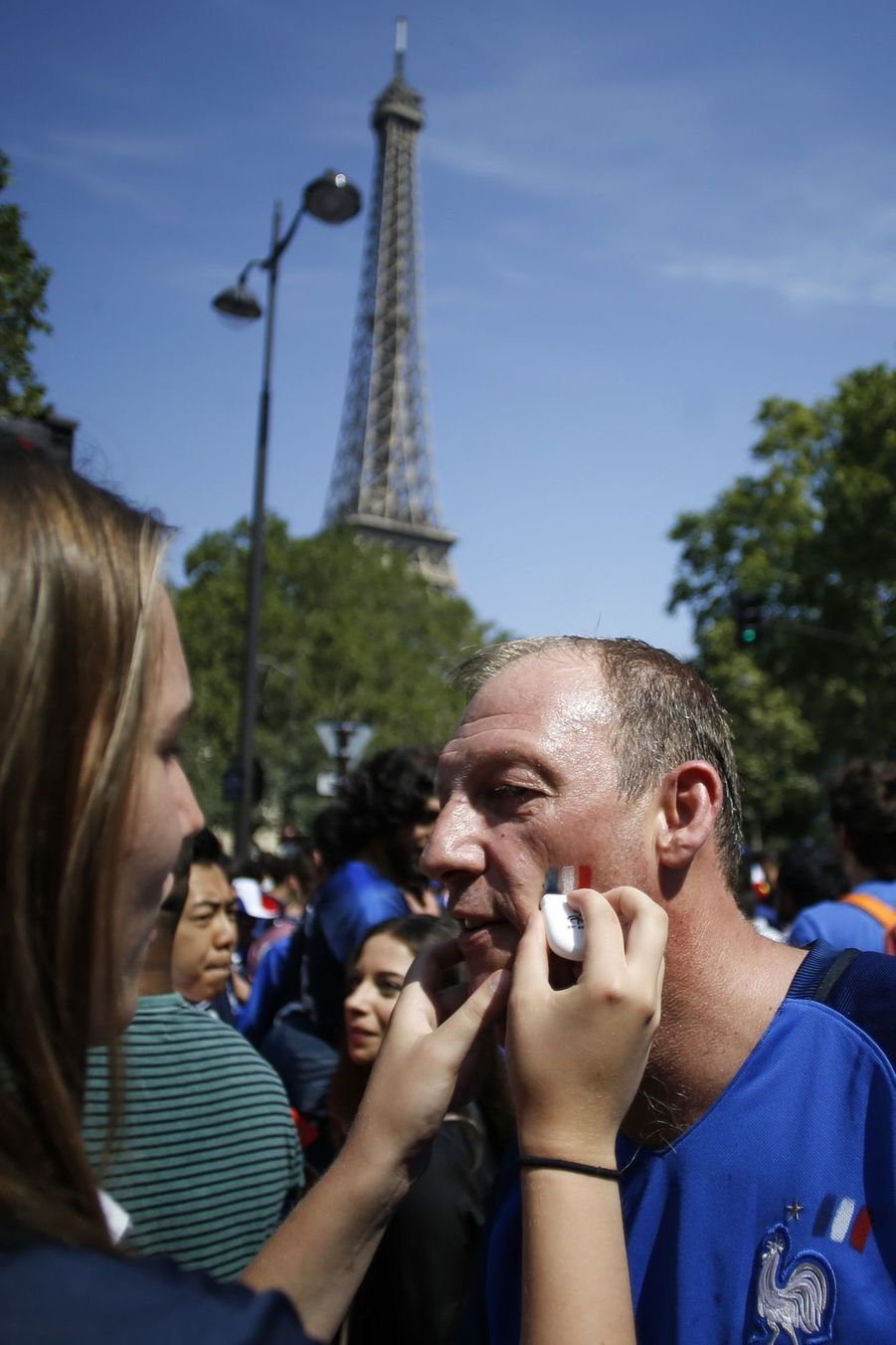 Mondial : La Fièvre Monte, Le Champ de Mars Pris D'assaut ( 2