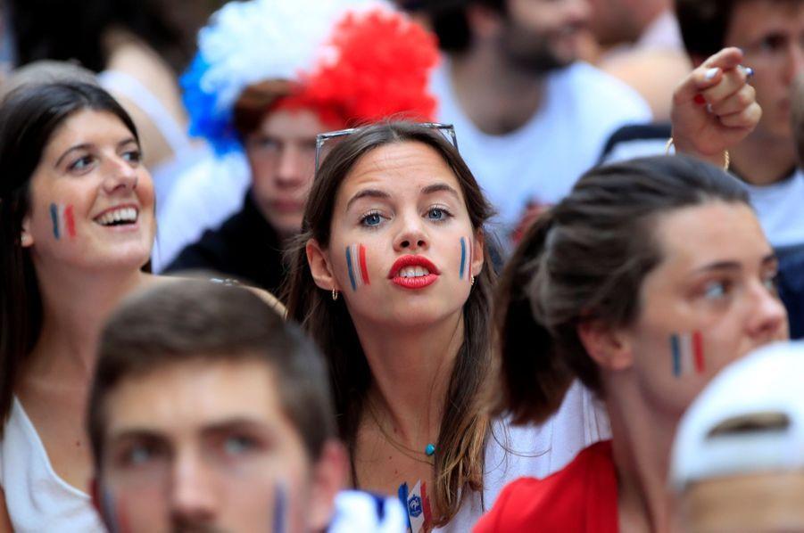 Mondial : La Fièvre Monte, Le Champ De Mars Pris D'assaut ( 24