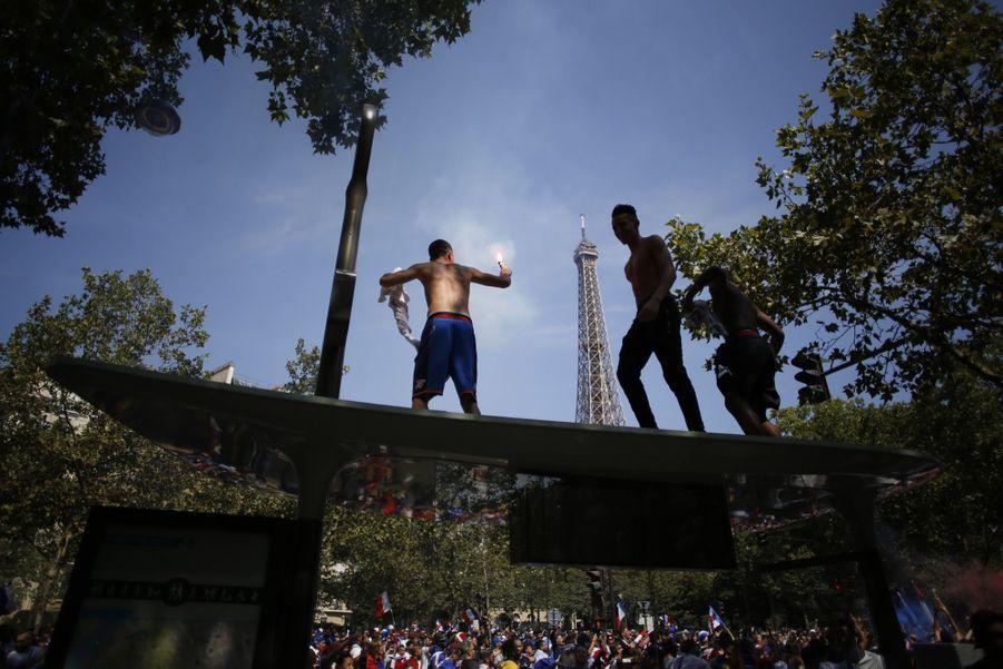Mondial : La Fièvre Monte, Le Champ de Mars Pris D'assaut ( 5