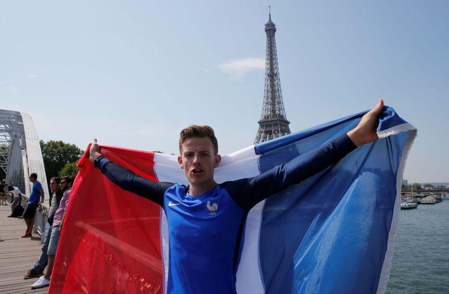 Mondial : La Fièvre Monte, Le Champ de Mars Pris D'assaut ( 6