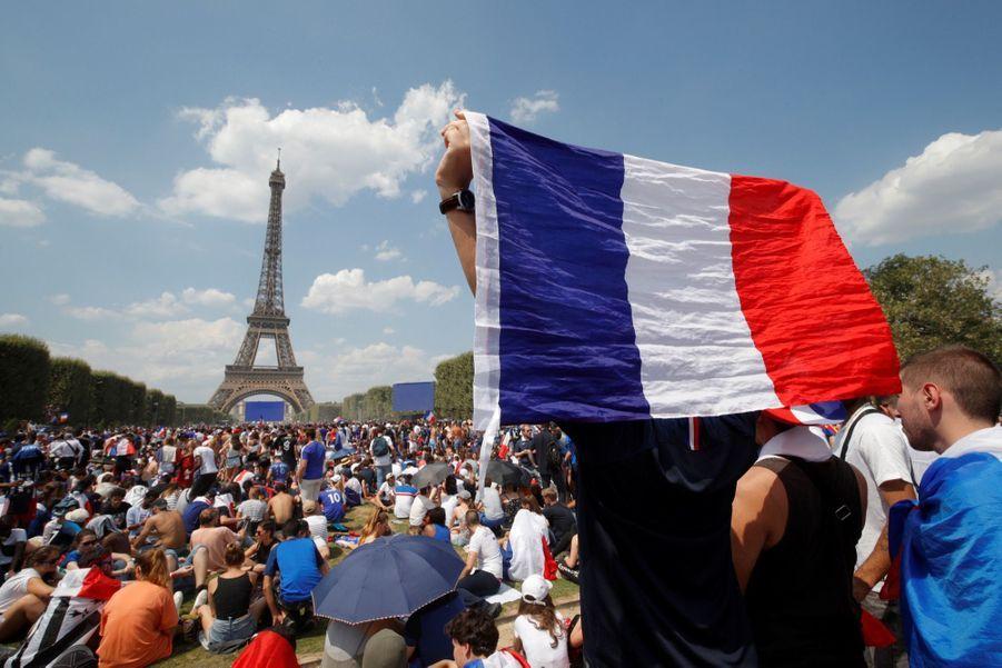 Mondial : La Fièvre Monte, Le Champ de Mars Pris D'assaut ( 8