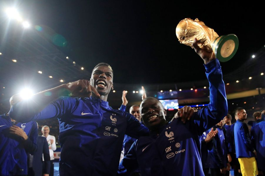 N'Golo Kanté et Paul Pogba dimanche soir au Stade de France.