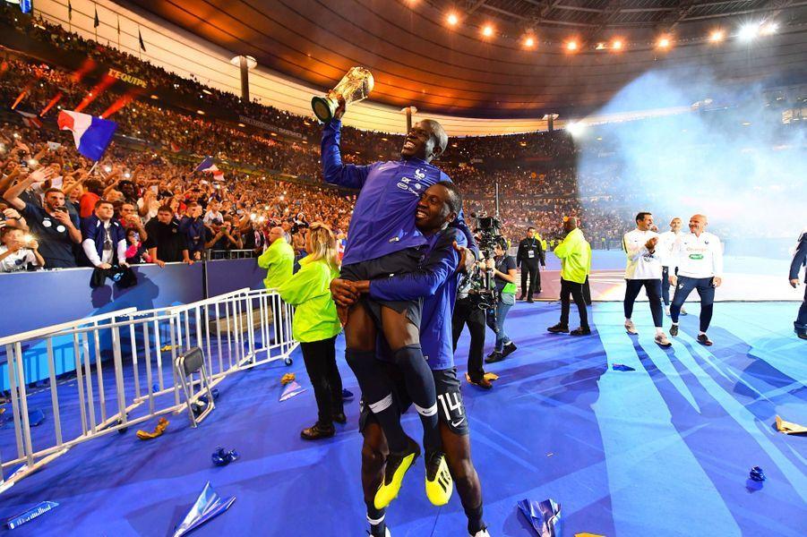 N'Golo Kanté et Blaise Matuidi dimanche soir au Stade de France.