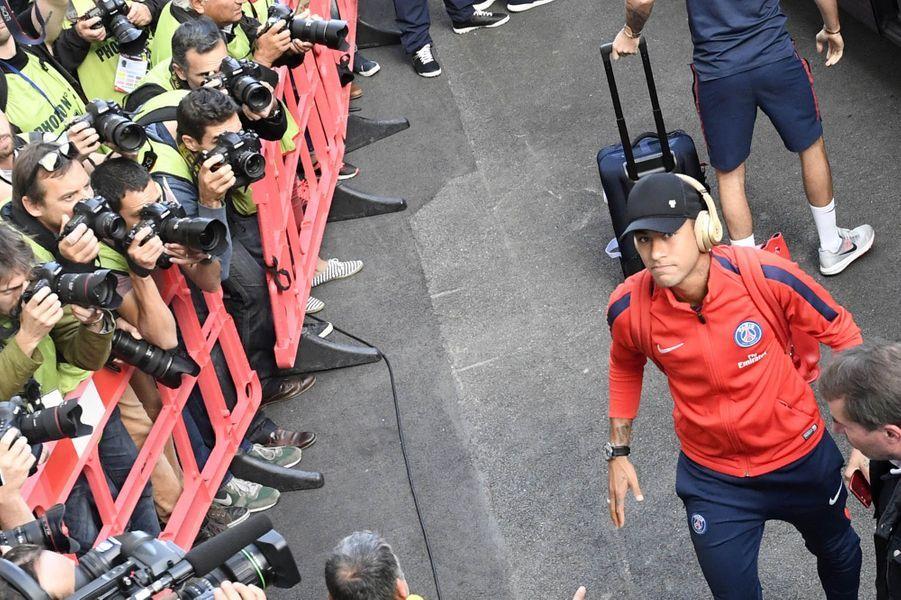 Arrivée au stade du Roudourou.